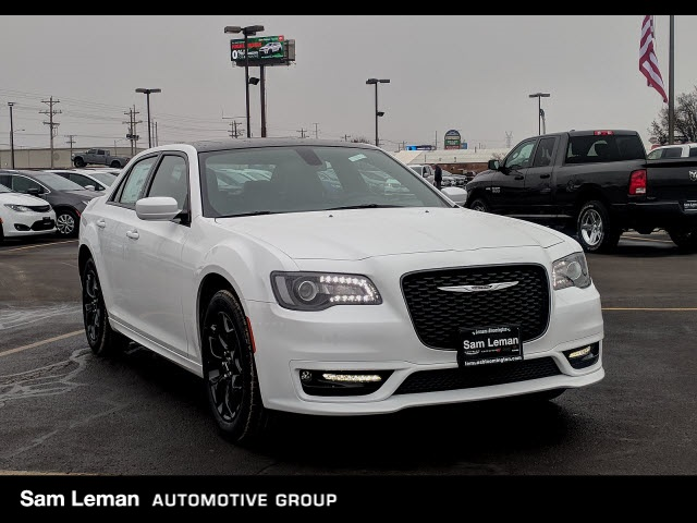 New 2019 Chrysler 300 S Sedan In Bloomington C19027 Sam Leman